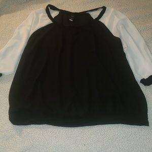 Torrid black white georgette raglan blouse 3x